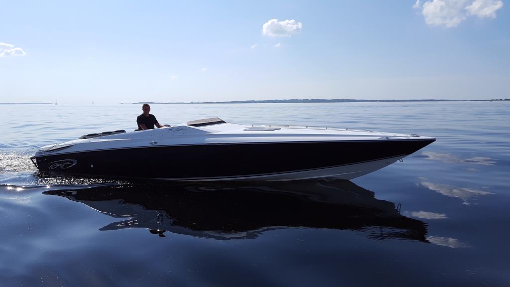 Baja 35 Outlow POWER BOAT