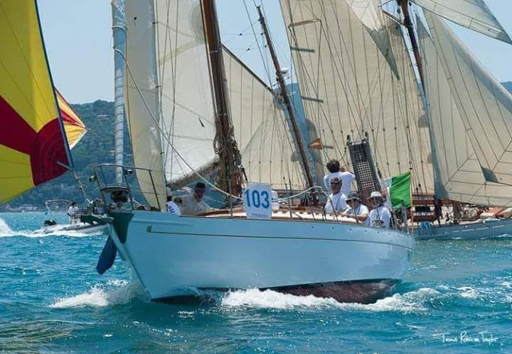 Classic Yacht Marconi Cutter 1955